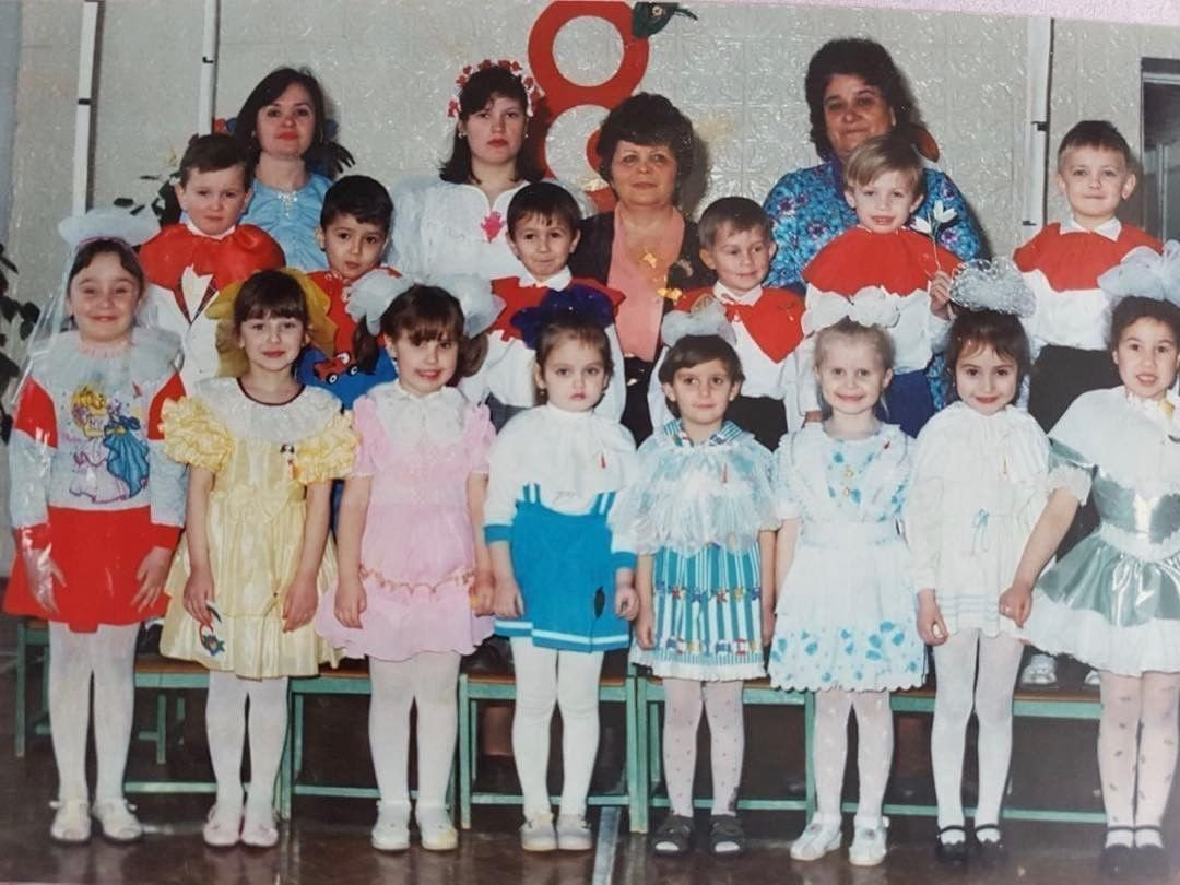 Marmok в детстве (второй ряд, третий слева)