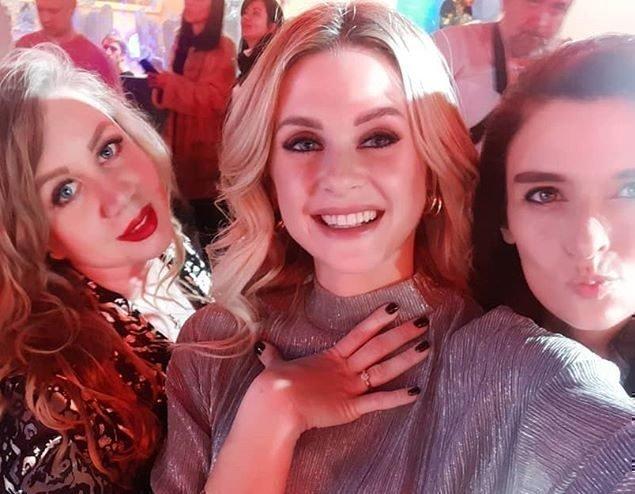 Елена Сажина с друзьями