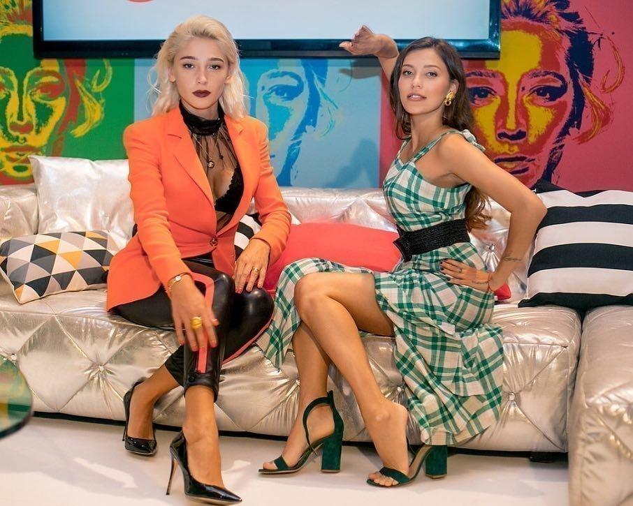 Анастасия Ивлеева и Регина Тодоренко