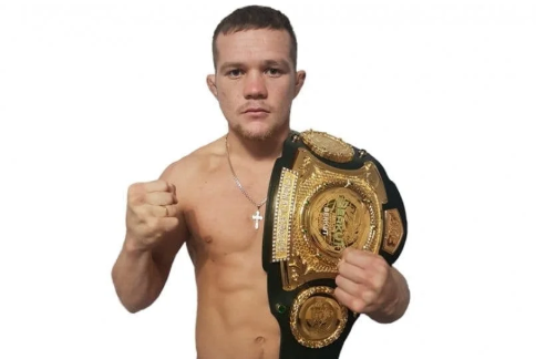 Чемпионский пояс Петра Яна