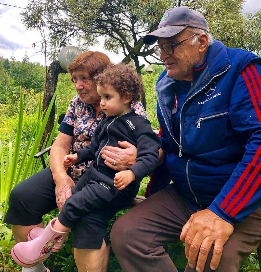 Родители Евгения Папунаишвили