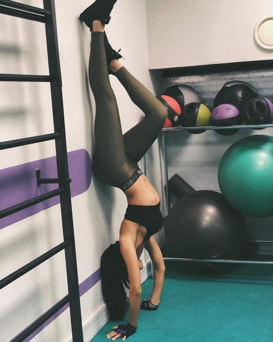 Саби Мисс в спортзале