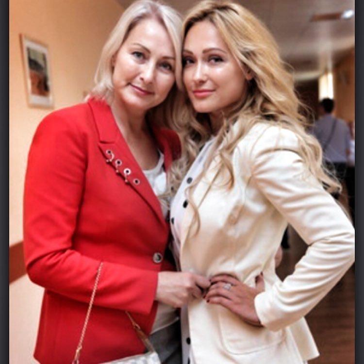 Едена Крайт с мамой фото