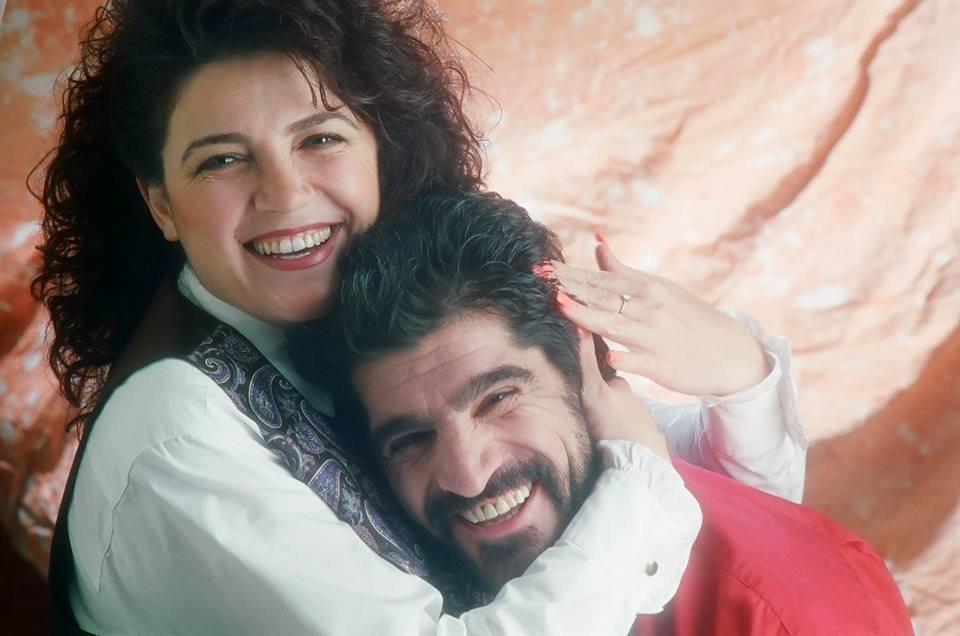 Джах Арут - певец с женой