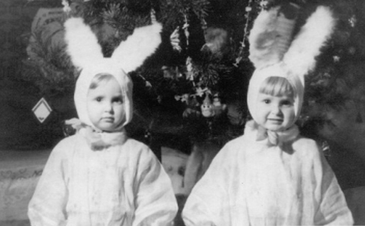 Сестры Зайцевы в садике