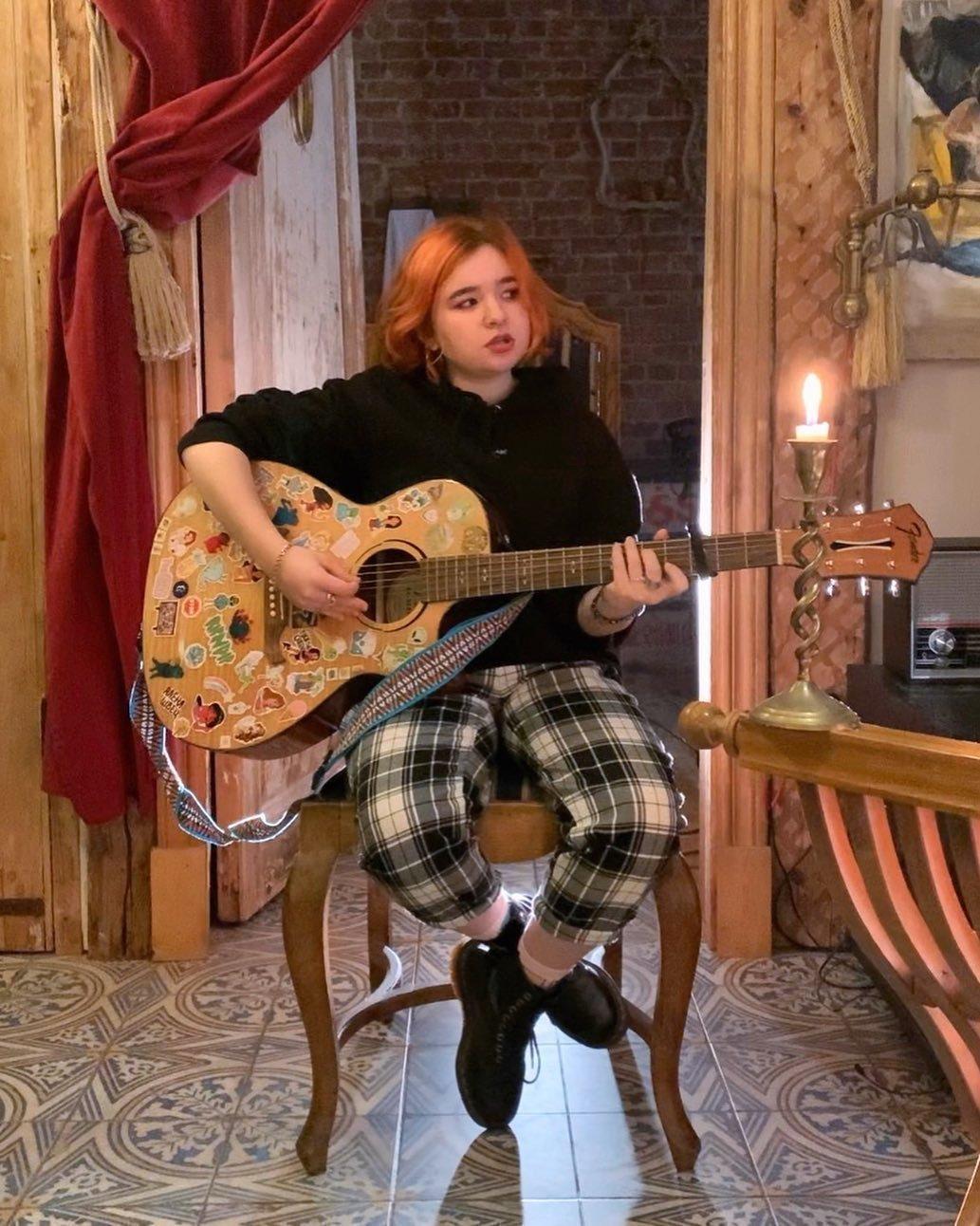 Алена Швец певица