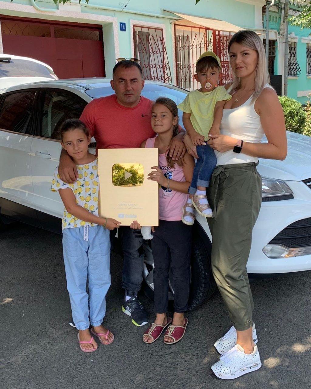 Григорий Кавказ с родными