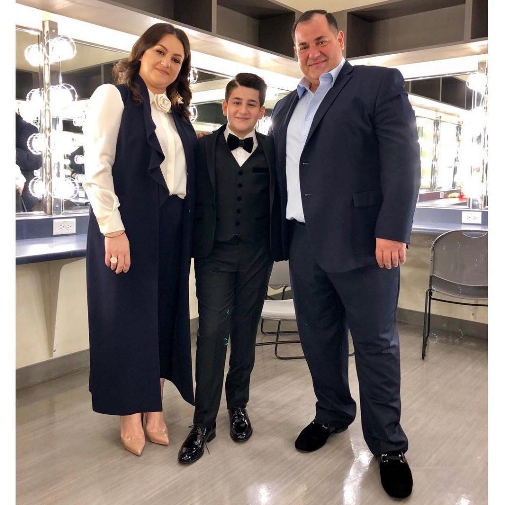 Гриша Асатрян с родителями