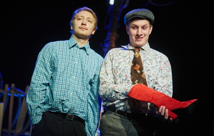Илья Шабельников играет роль в театре