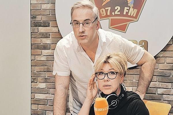 Юлия Норкина с мужем на работе