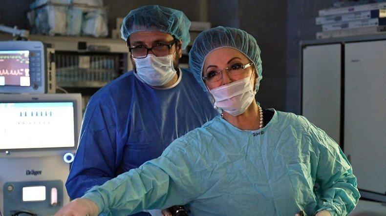 Лейла Адамян на операции