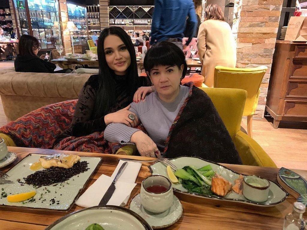 Луиза Росулова с мамой