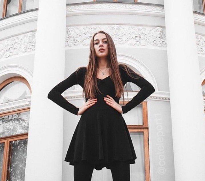 Виктория Мэйби Бэйби без парика