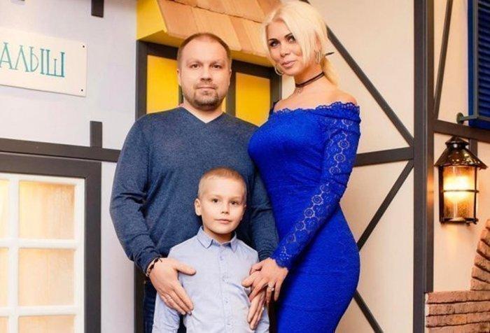 Ольга Десятовская с мужем и сыном