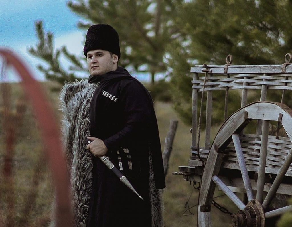 Рустам Нахушев в национальном костюме