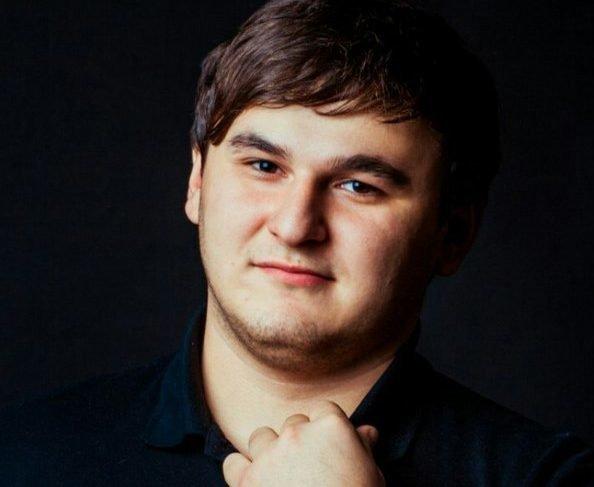 Певец Рустам Нахушев в юности