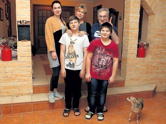 Семья Норкиных дома