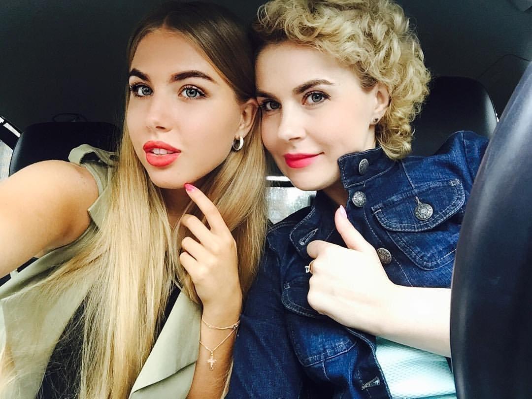 Катя Дорожко с мамой