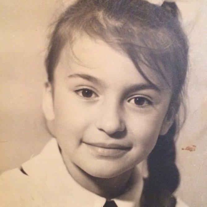 Ирина Оганова в школьные годы