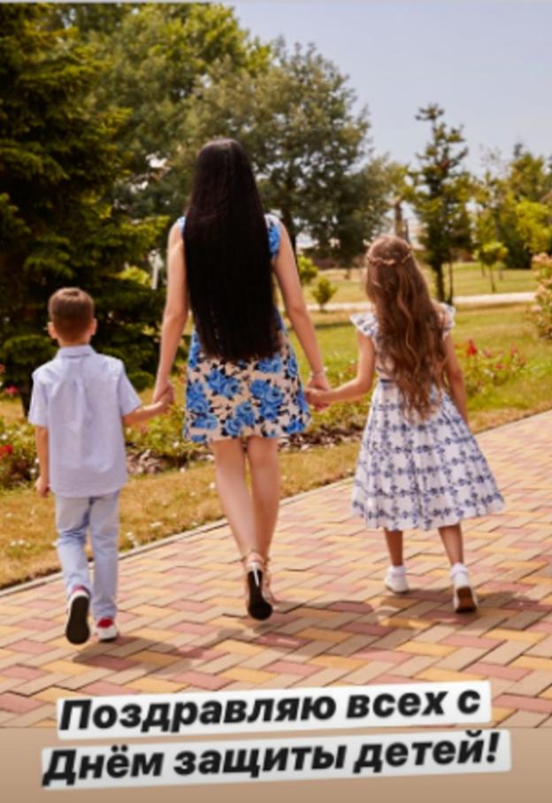 Наиля Аскер-заде с детьми