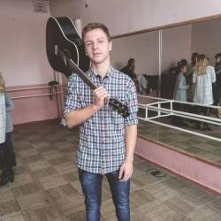 Гарик Погорелов в юности