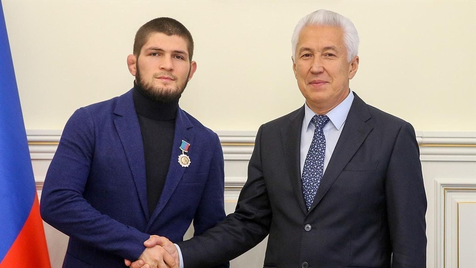 Награждение Хабиба Нурмагомедова