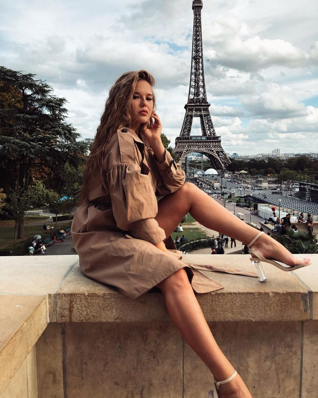 Мила Сайфутдинова в Париже