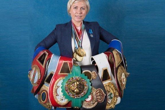 Чемпионские пояса Рагозиной