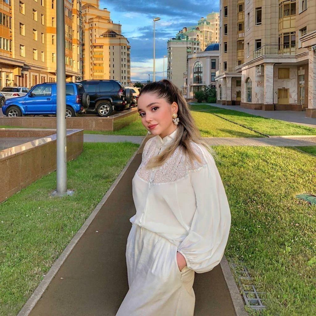 Певица Рагда Ханиева