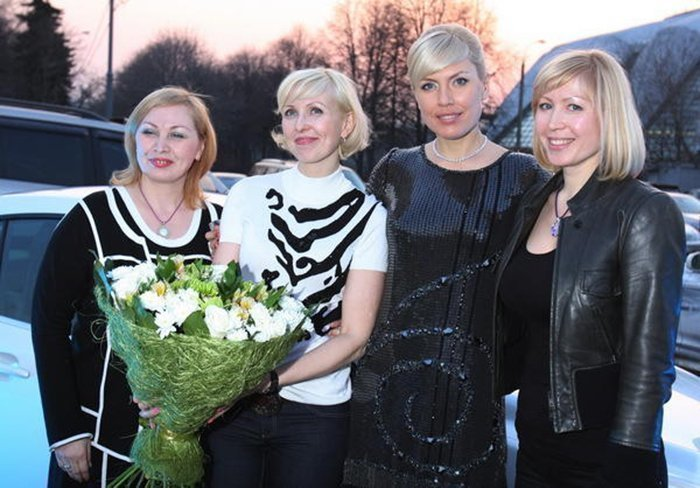 Наталья Рагозина с сестрами