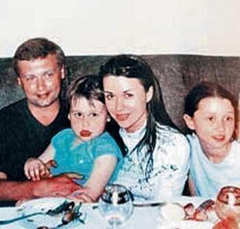 Анна с отцом, мамой