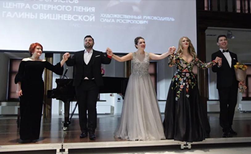 Анна Золотова в театре