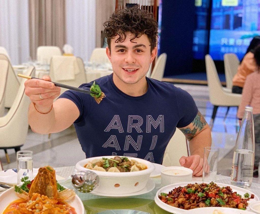 Антон Дмитриев повар