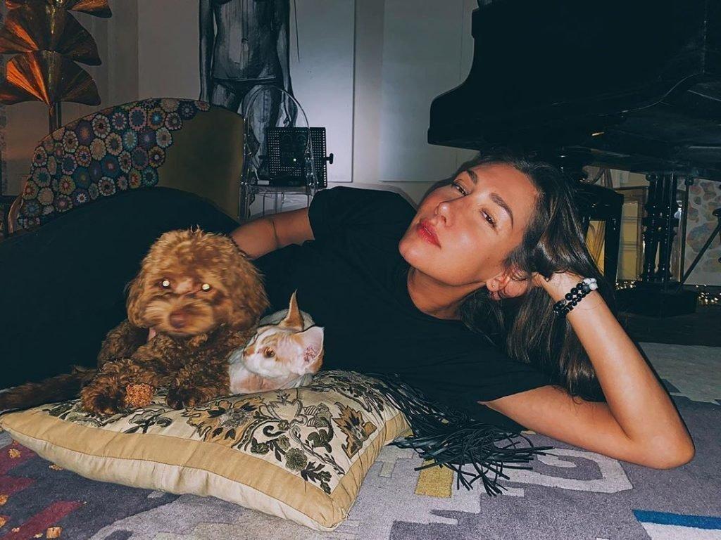 Анна Зотова в юности