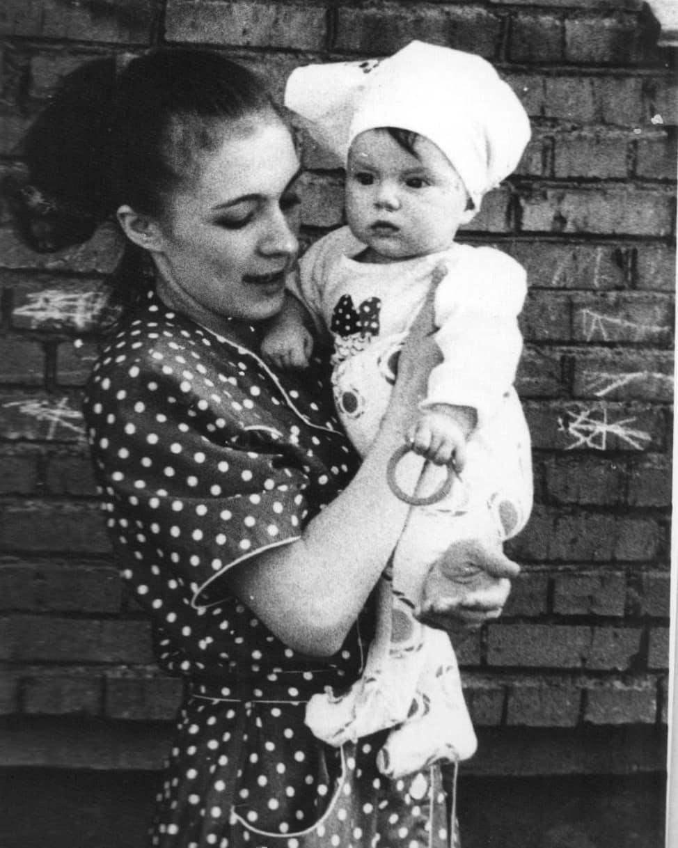 Анна Дианова в детстве