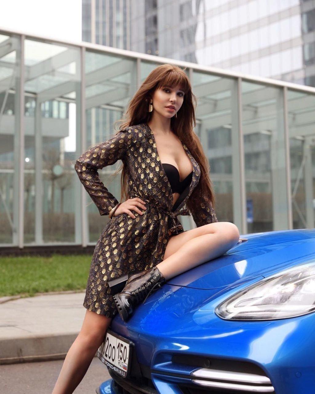Мария Лиман фото с машиной
