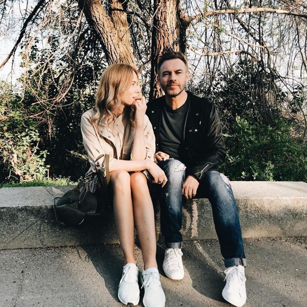 Роман Черницин с девушкой