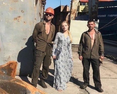 Лиза Пескова на судоремонтном заводе
