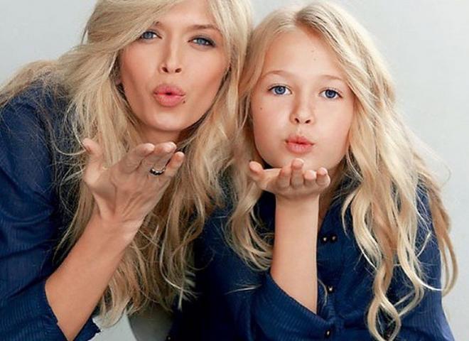 Соня Киперман с мамой в детстве
