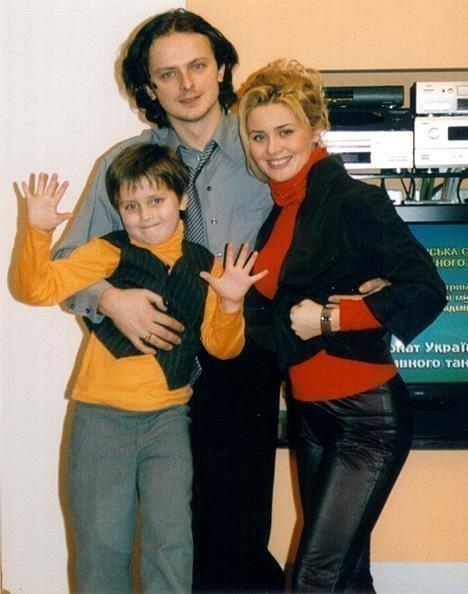 Анатолий Евдокименко в детстве с родителями