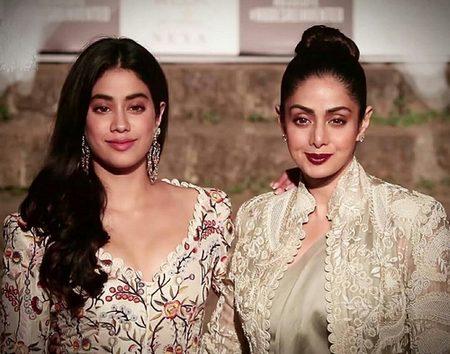 Джанви Капур с мамой