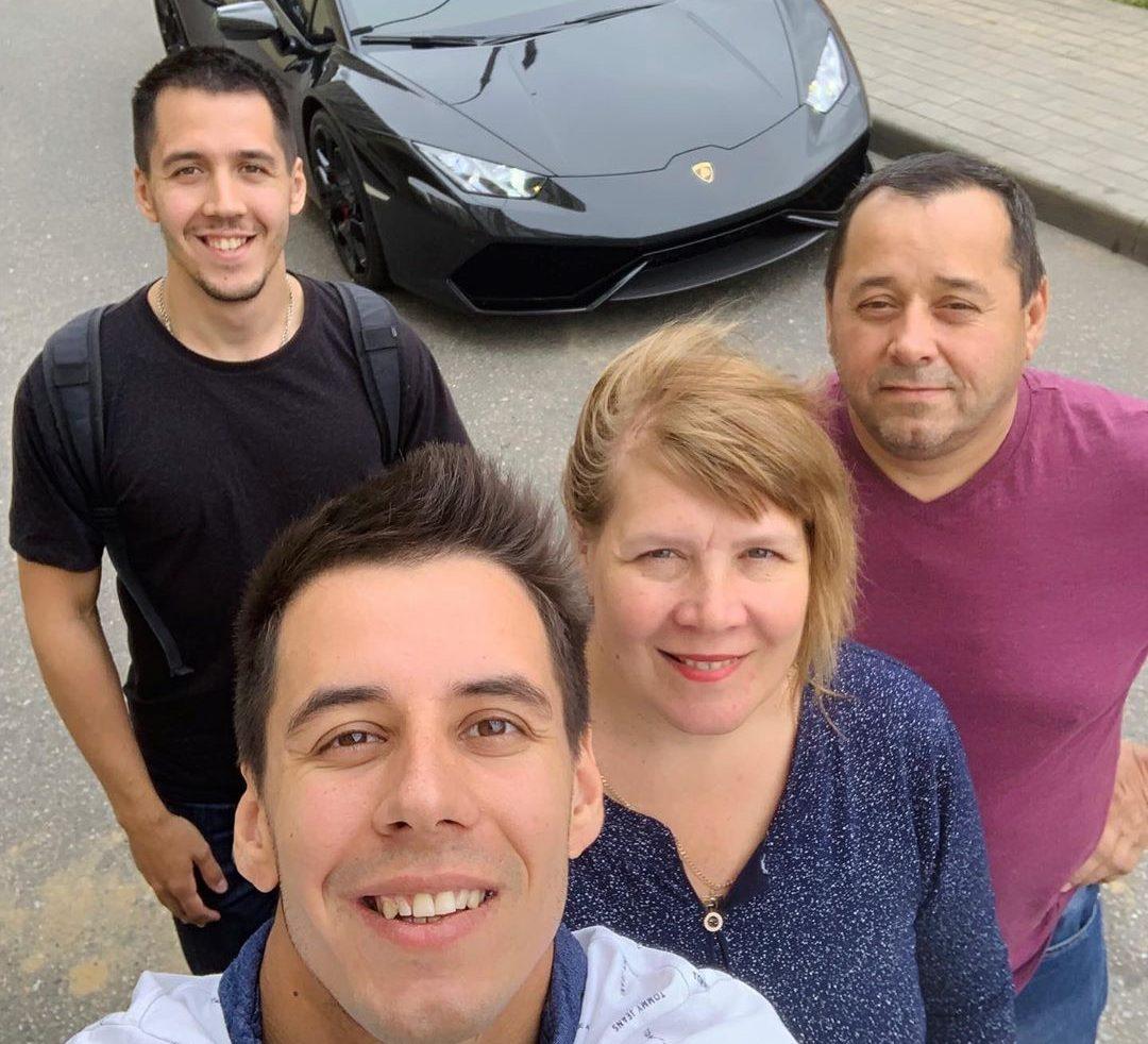 Дима Гордей с родителями