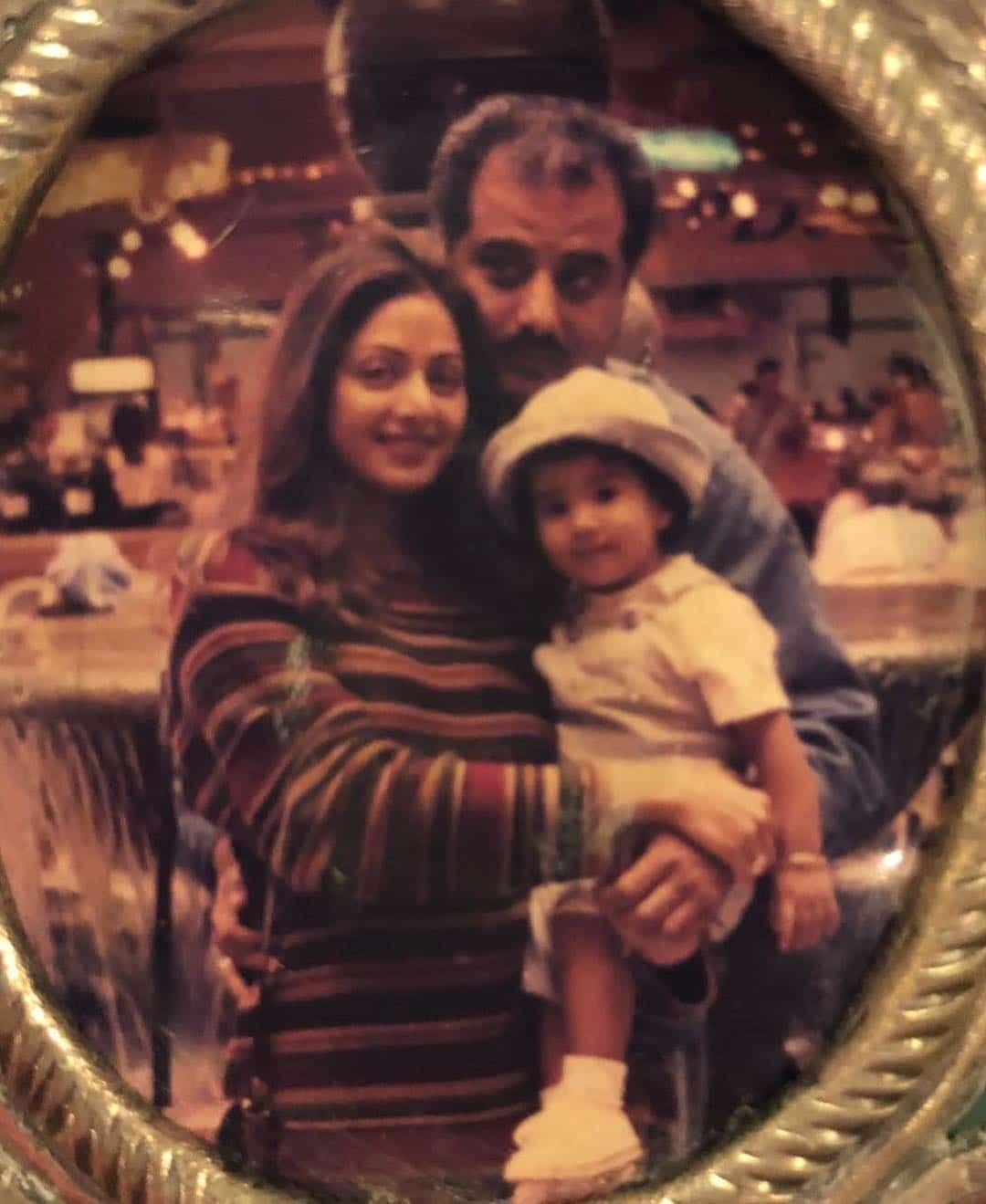 Джанви с родителями