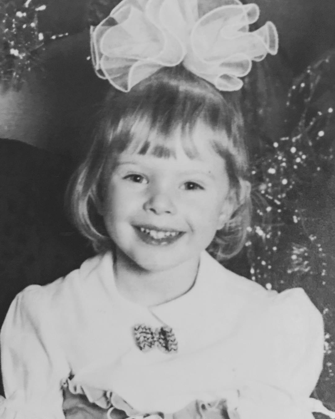 Фото Марианны Елисеевой в детстве