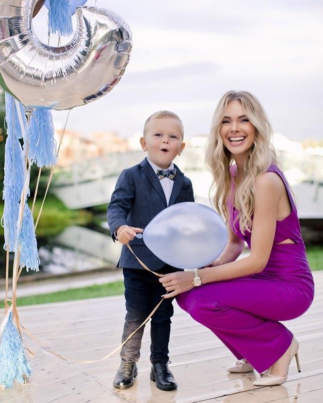 Марианна Евсеева с сыном Мишей