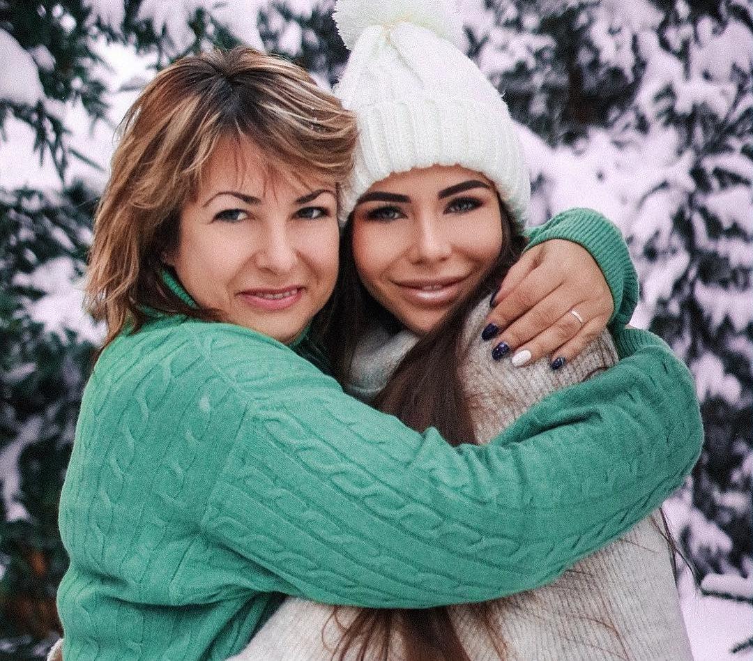 София Стужук с мамой