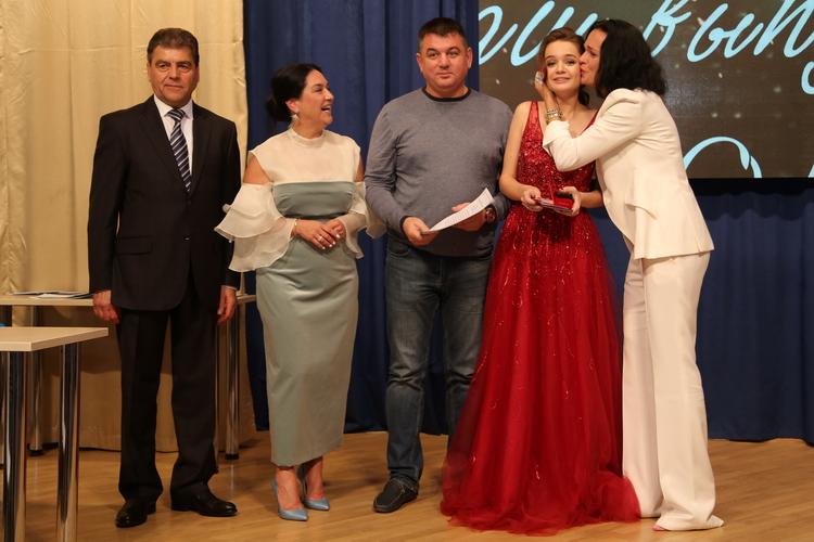 Фото с выпускного вечера Александры