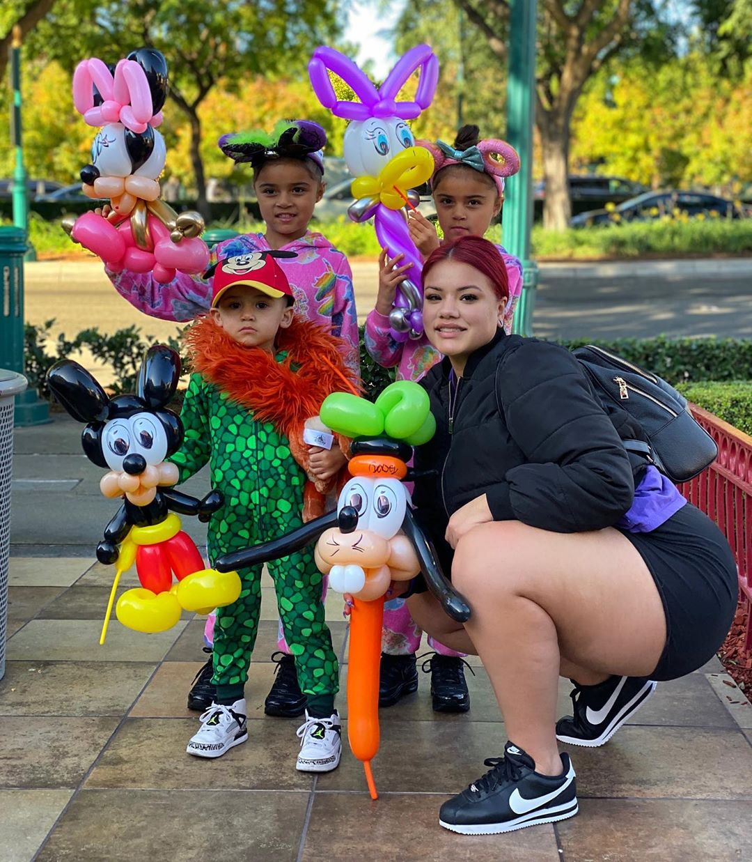 Первые фото Стефани Гонсалес со своими детьми