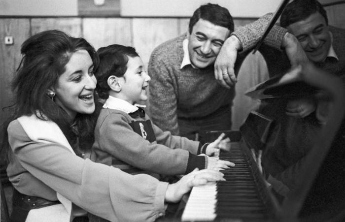 Тамара Гвердцители, Георгий Кахабришвили и Сандро