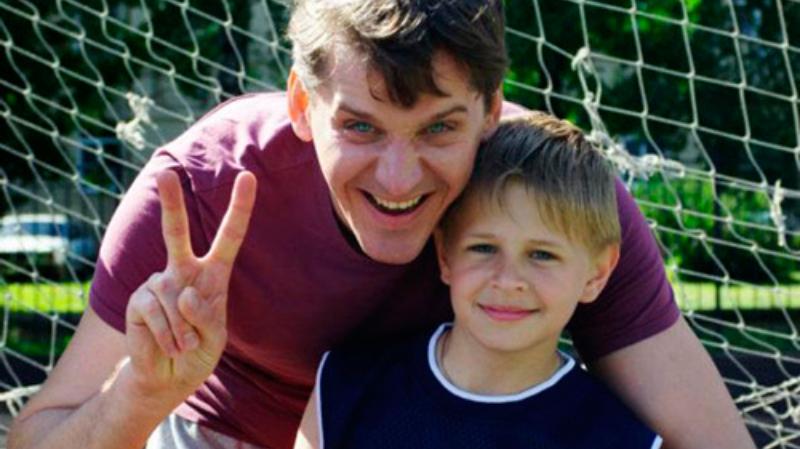 Юрий Батурин с сыном Богданом сейчас